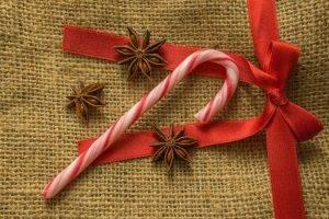 natural wrapping and ribbon