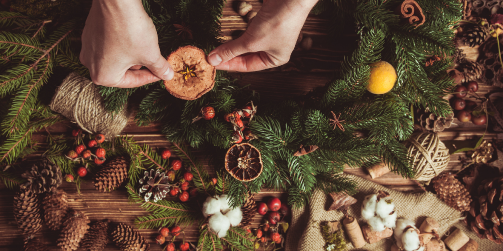 sustainable Christmas wreath & decorations